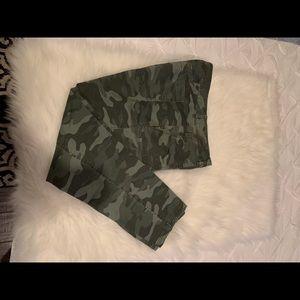 Old Navy Camo Pixie Pants